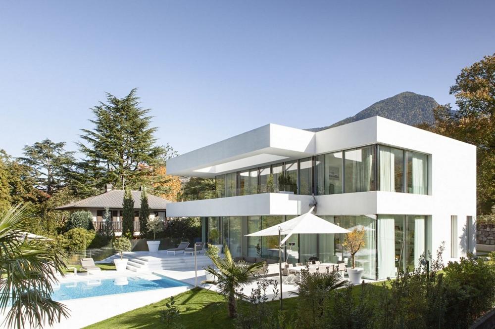 Къща-с-модерна-архитектура-в-Италия-House-M