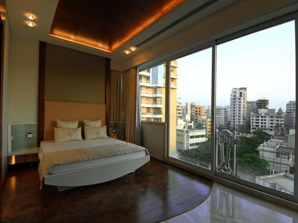 Луксозен-дизайн-на-мезонет-спалня-с-великолепна-гледка