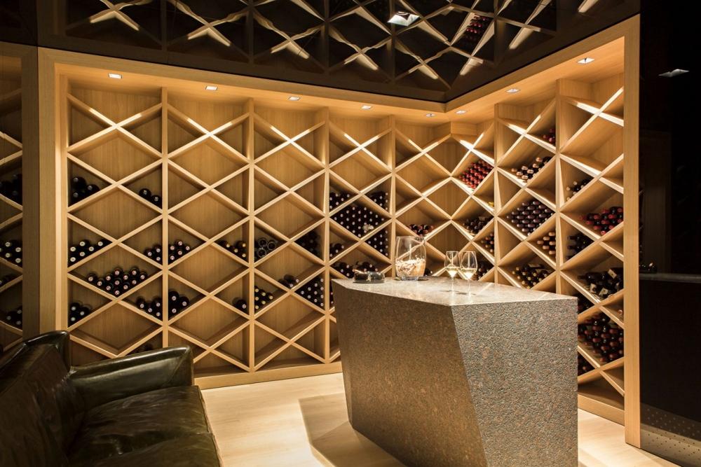 Модерен-дизайн-на-помещение-за-съхранение-на-вино