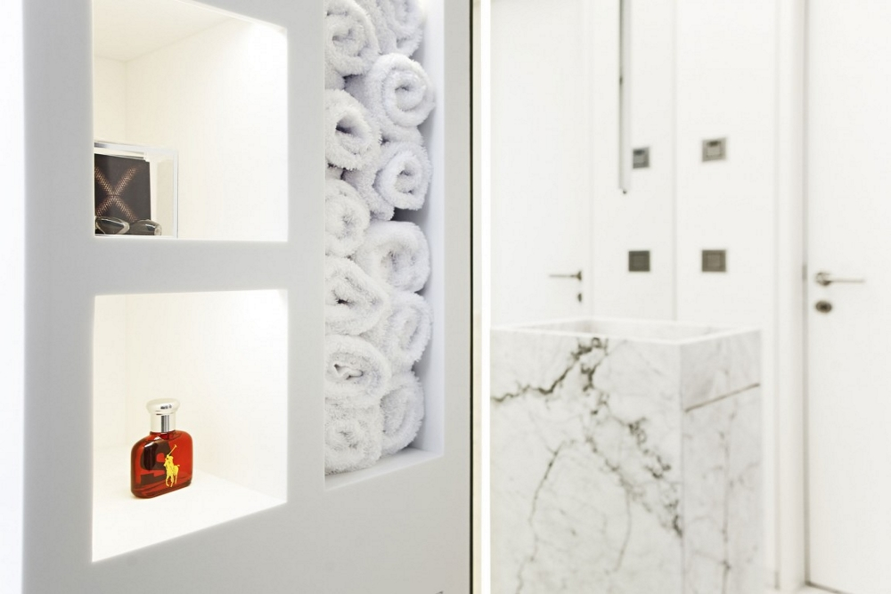 Модерна-архитектура-в-Италия-декорация-на-баня