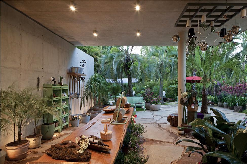Модерна-архитектура-и-дизайн-на-Ботанически-магазин-оформление