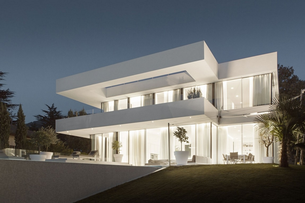 Модерна-минималистична-архитектура-House-M
