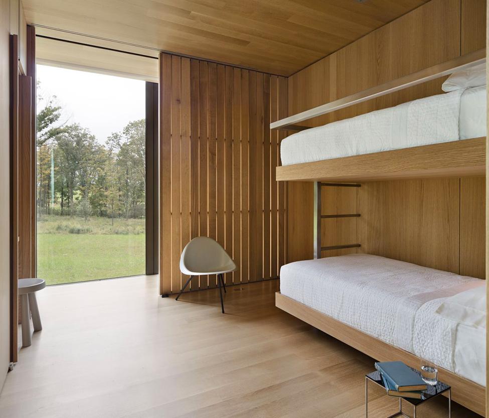 Спалня-дизайн-дървени-облицовки