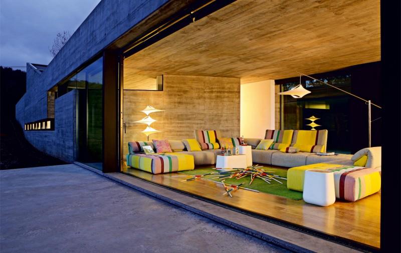 модерни-идеи-за-обзавеждане-на-хола-модерен-диван