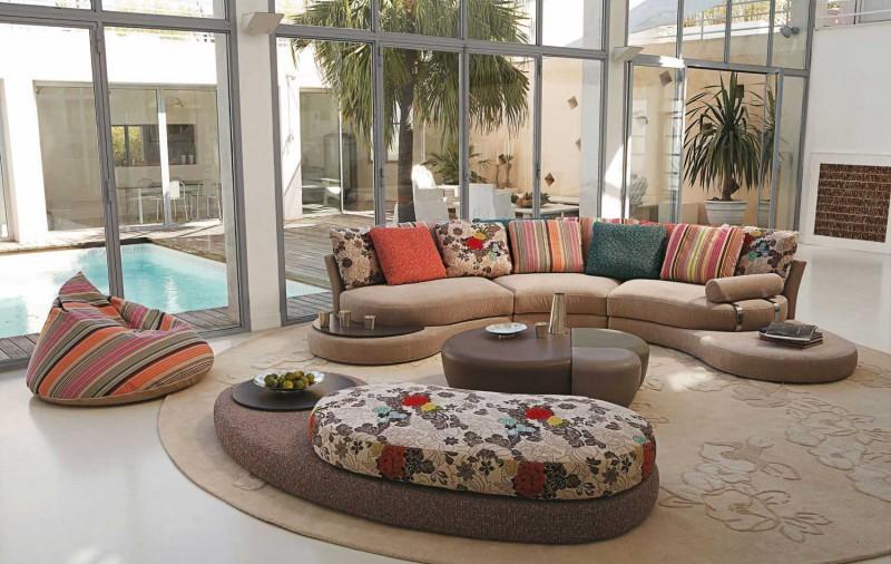 118-модерни-идеи-за-обзавеждане-на-хола-диванът-в-хола