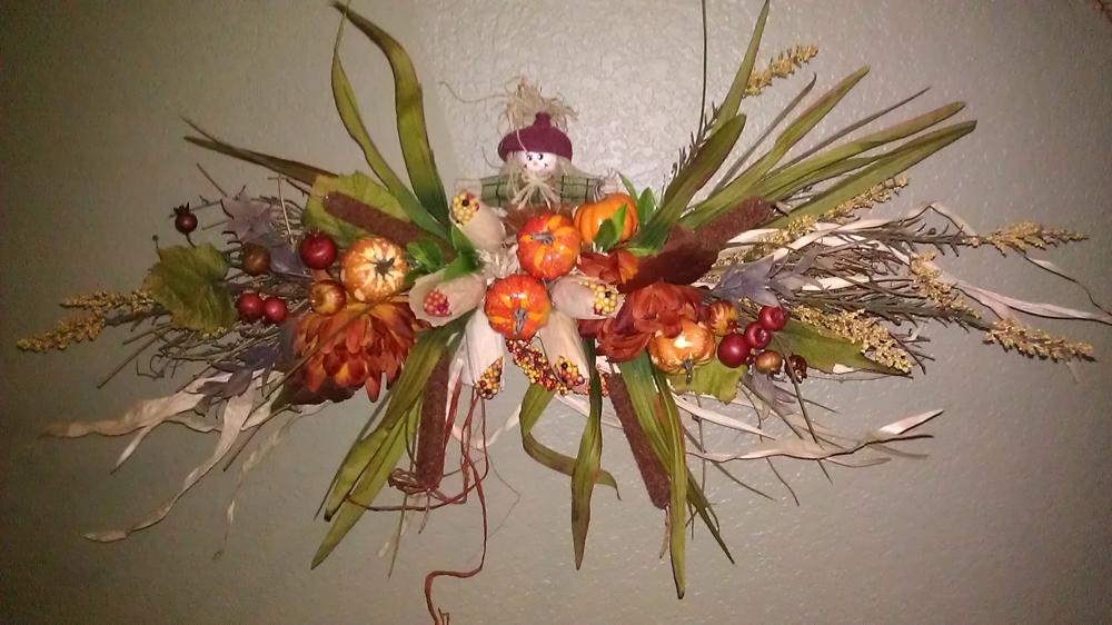 Esenna-dekoratsiya-s-plodove-pana