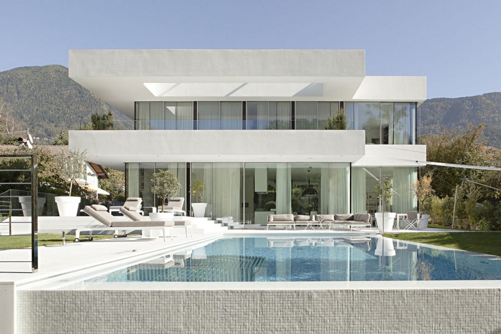 House-M-от-monovolume-architecture-+-design-фасада