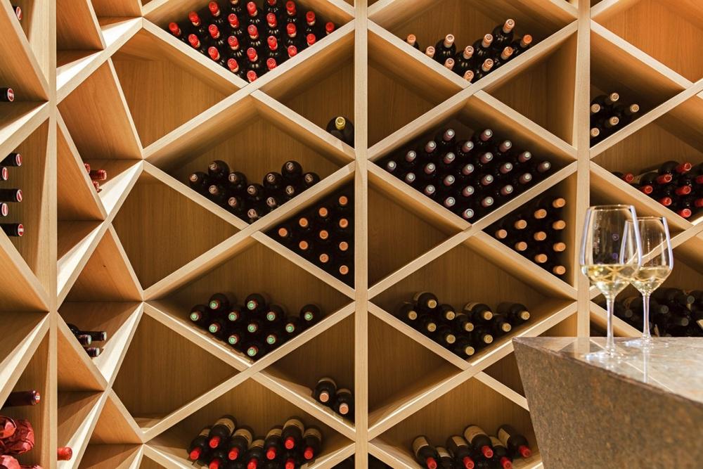 House-M-стая-за-съхранение-на-бутилки-вино