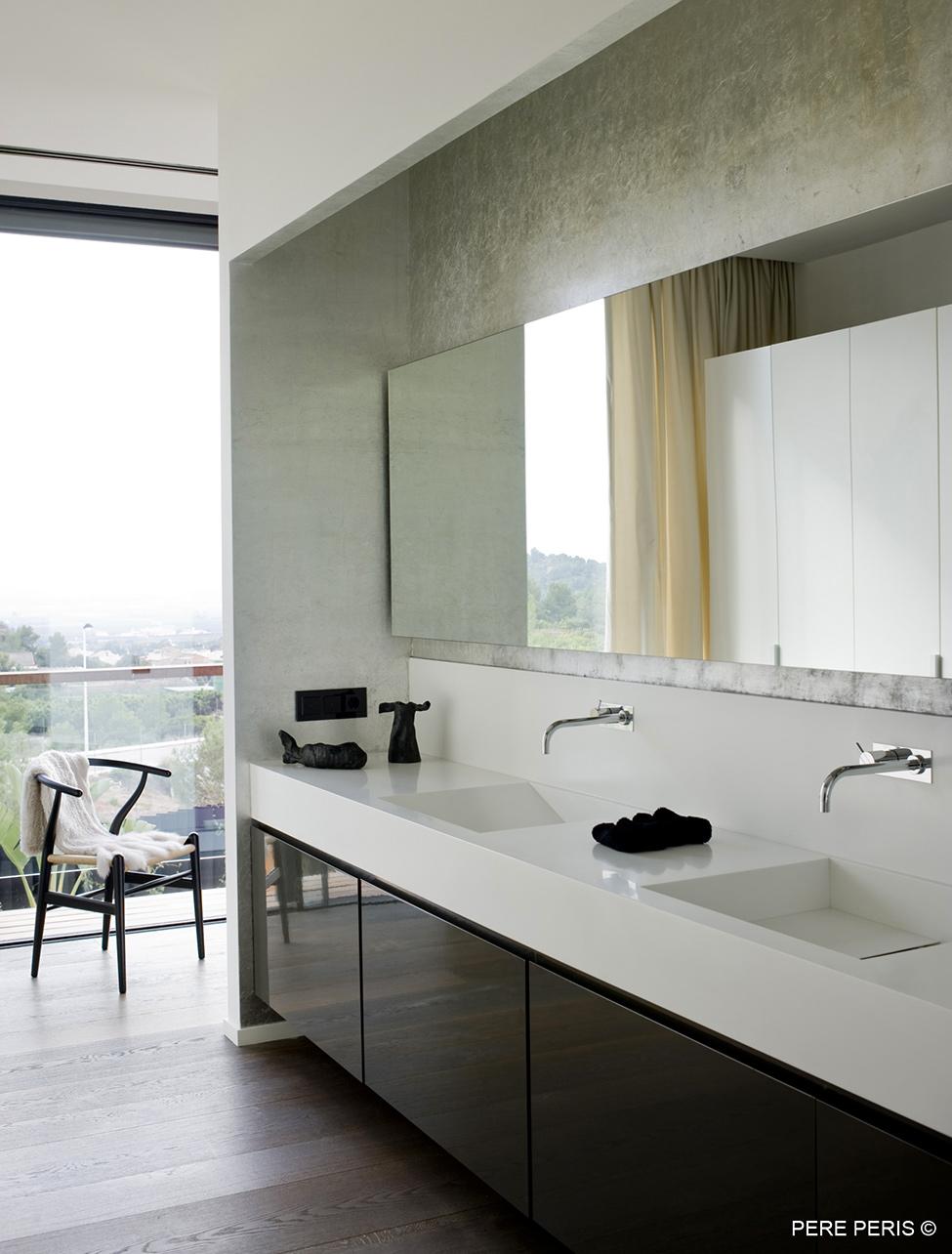 Imenie-s-moderen-interior-moderna-minimalistichna-banya